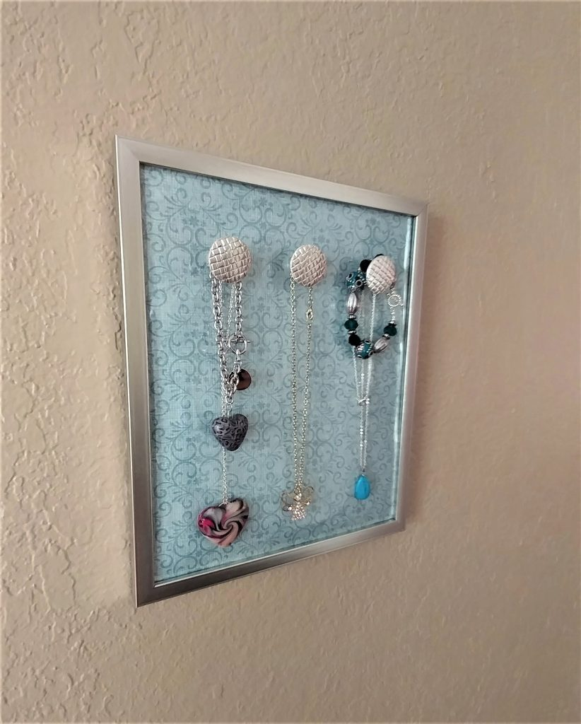 Diy Modern Hanging Jewelry Organizer: Jewelry Hanging Organizer