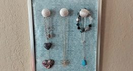 Jewelry Hanging Organizer – DIY Dollar Tree Crafts