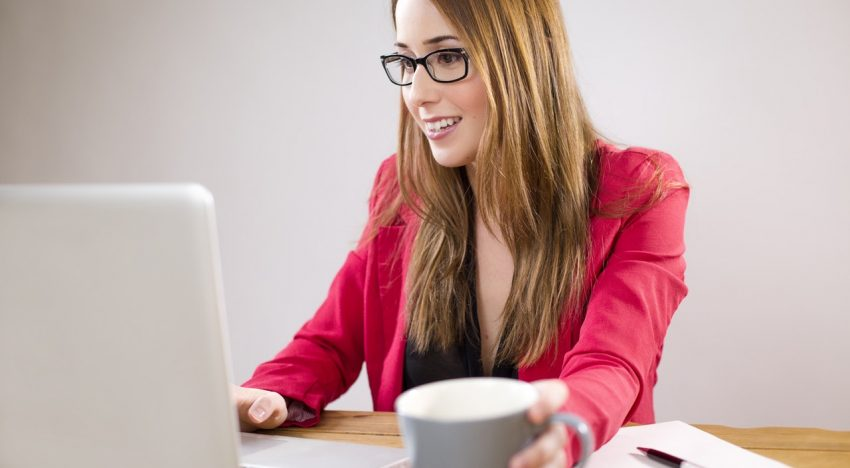 How To Land A Virtual Assistant Job Nowadays?