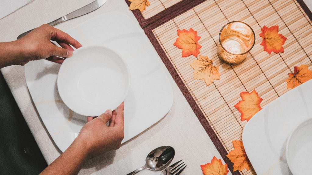 Thanksgiving Dining Set