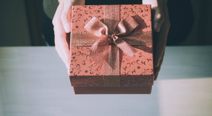 Where to Shop for the Best Housewarming Gift
