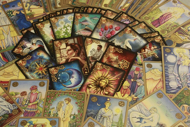 10 Misguided Myths about Tarot Readings