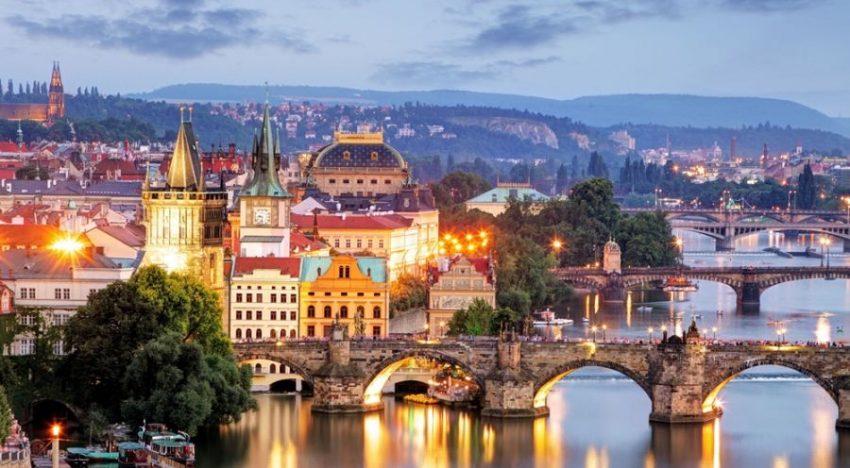 Meet Prague – The Golden City with Unforgettable Surroundings