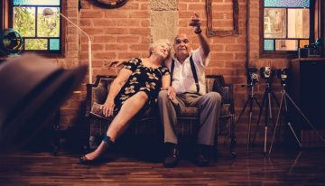 9 Really Fun Ways and Activities to Entertain a Senior in Later Life