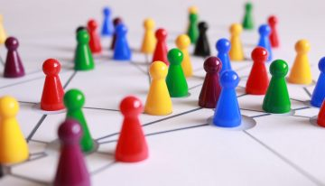 Best Ways to Build Your Professional Network [7 Secrets]